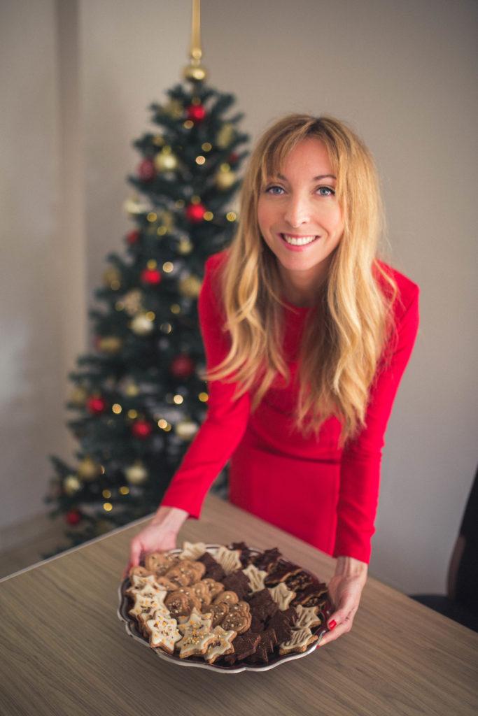 Des biscuits de Noël avec de jolis glaçages