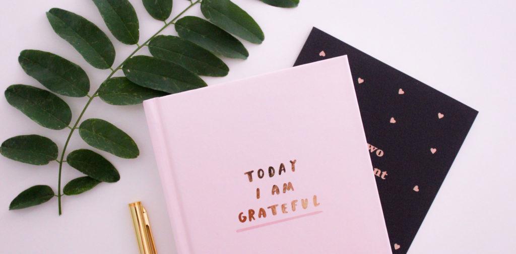 Un journal de gratitude pour être plus heureux dans notre vie