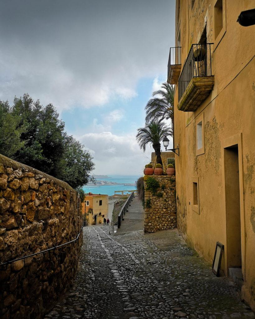 Une ruelle d'Ibiza