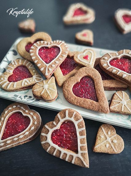Express shortbread biscuits filled with raspberry jelly