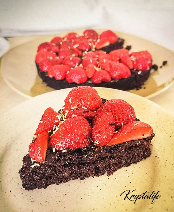 Healthy and moist chocolate cake no sugar added, no flour, no butter